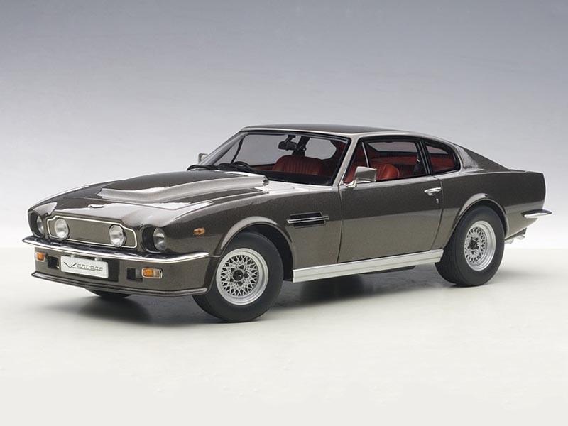 AUTOart Aston Martin V8 Vantage 1985 Grey 1:18 70221